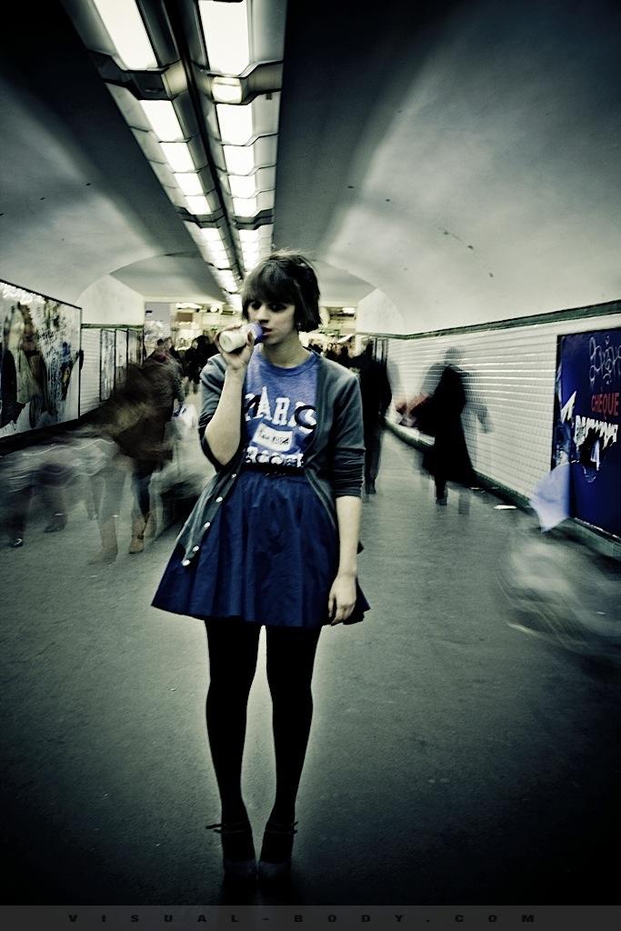 02 Le Biberon, Bambie dans le métro
