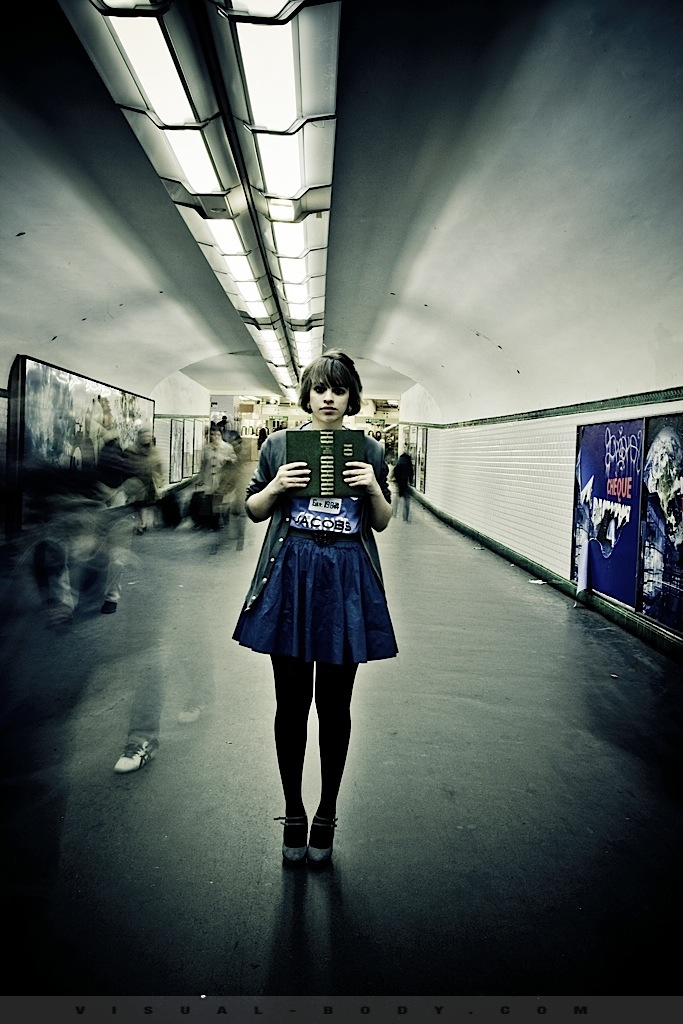 03 Le Livre, Bambie dans le métro
