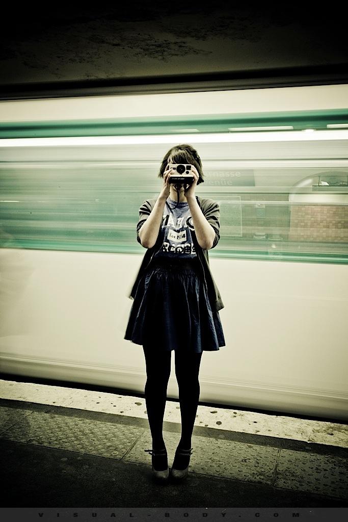 06 Flou Polaroid, Bambie dans le métro