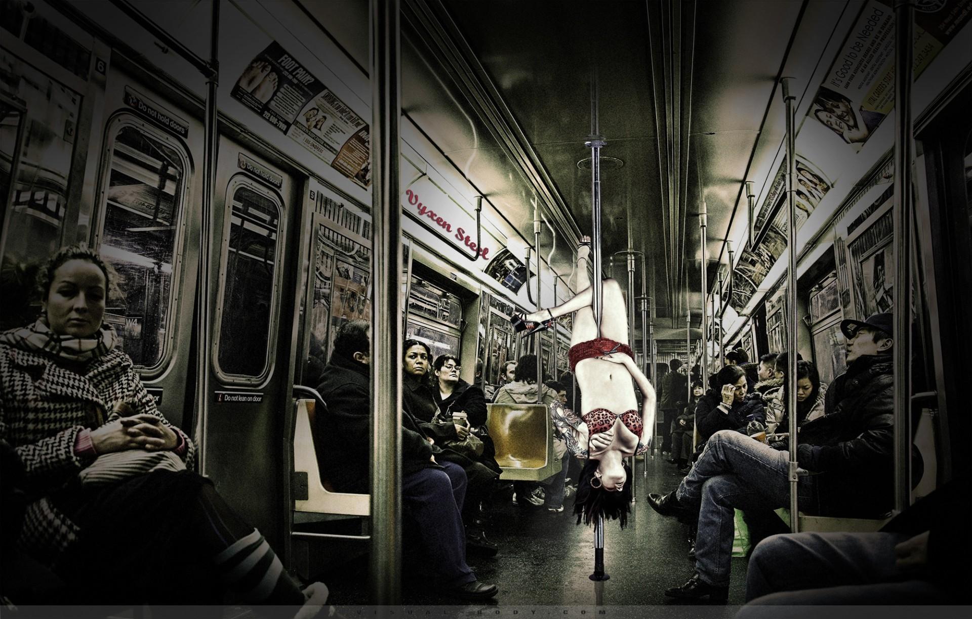 Urban Life II - Danseuse dans le métro