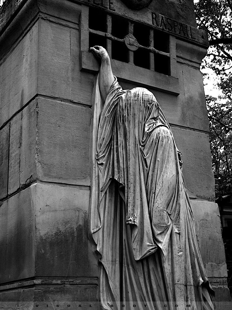 Tombeau, cimetière du Père Lachaise, Paris