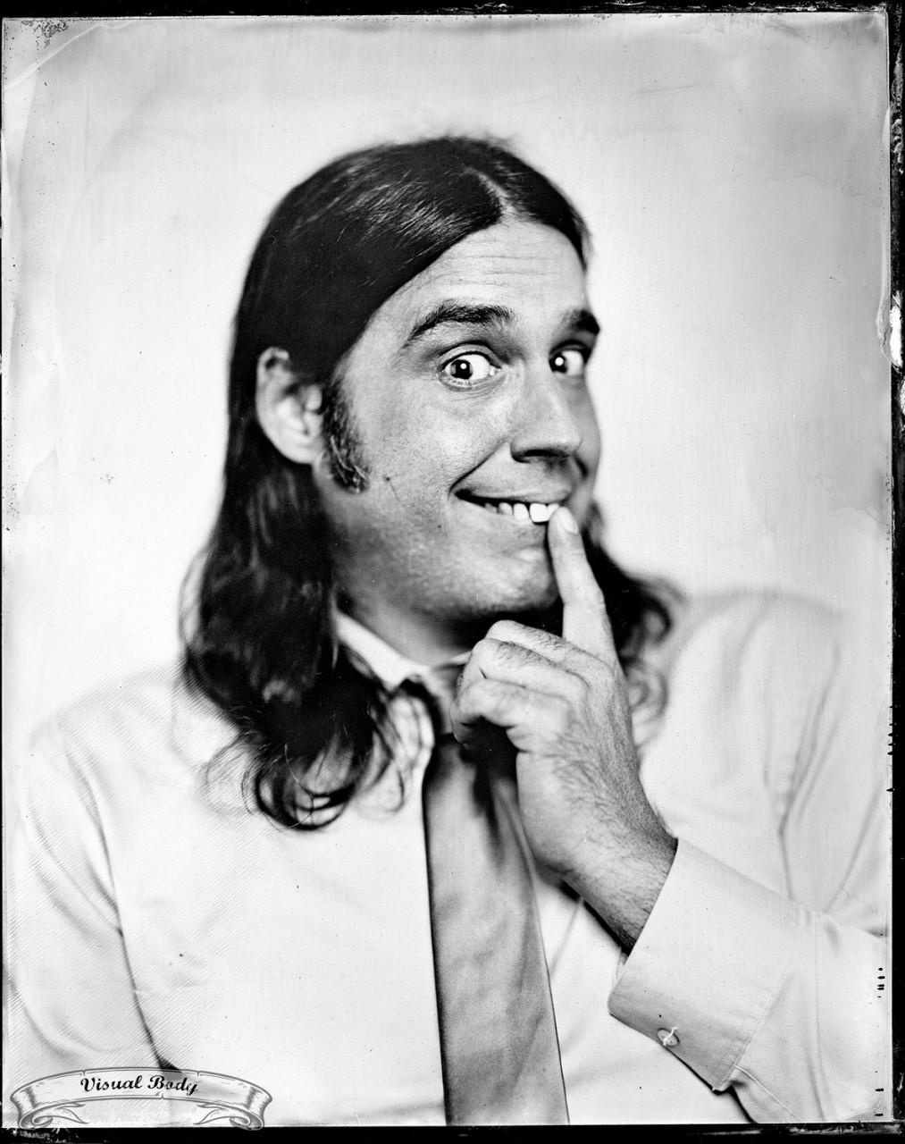 Vincent Léonard (Les Denis Drolet). Profession: humoriste/comedian.